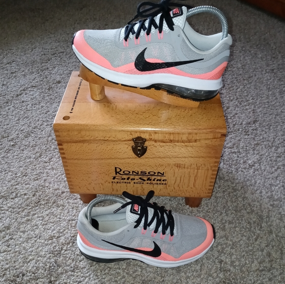 Nike Other - PRE-OWNED nike max dynasty 2 SIZE 3.5y 2016
